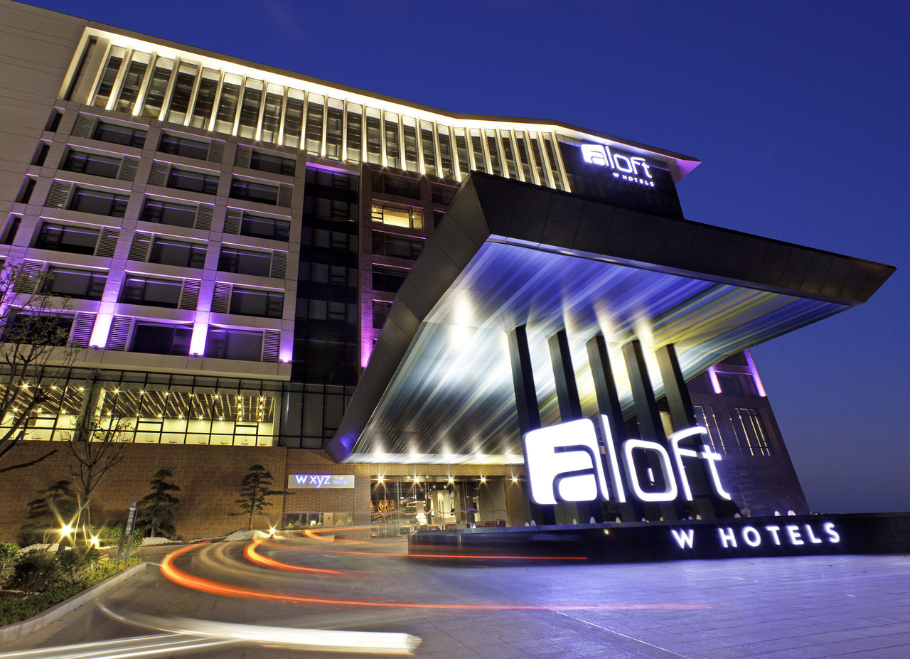 Aloft Long Island