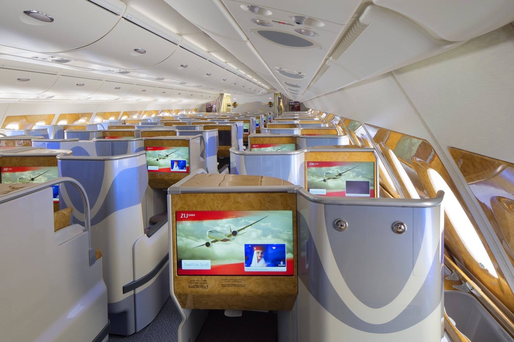 Airline Review: Emirates EK383 Hong Kong-Dubai | The Art ...