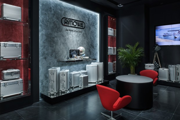 rimowa opens new flagship at studio city macau the art of business travel. Black Bedroom Furniture Sets. Home Design Ideas