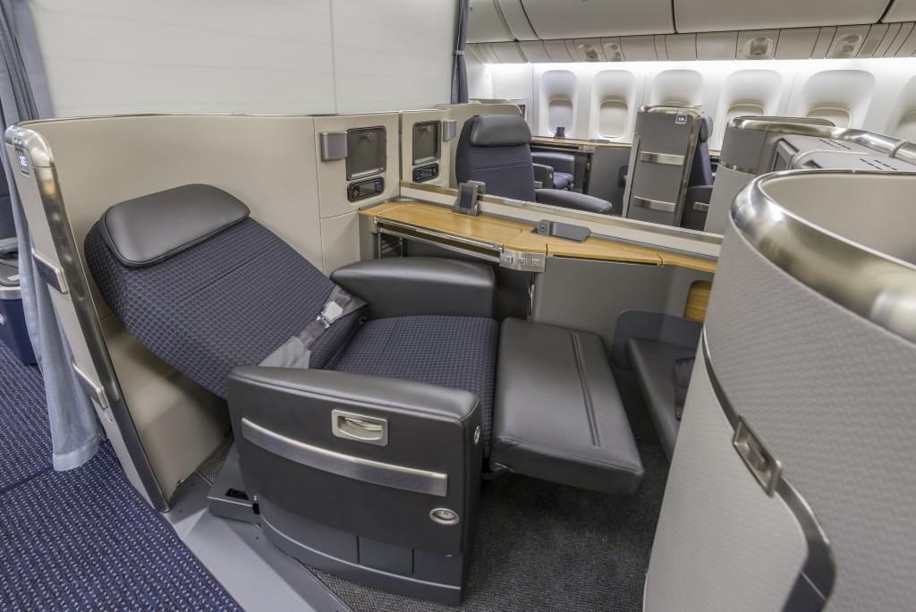 AAL 777-300ER 1053 WE301