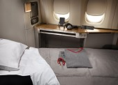 First Class Ameican Airlines AA193 Los Angeles-Hong Kong