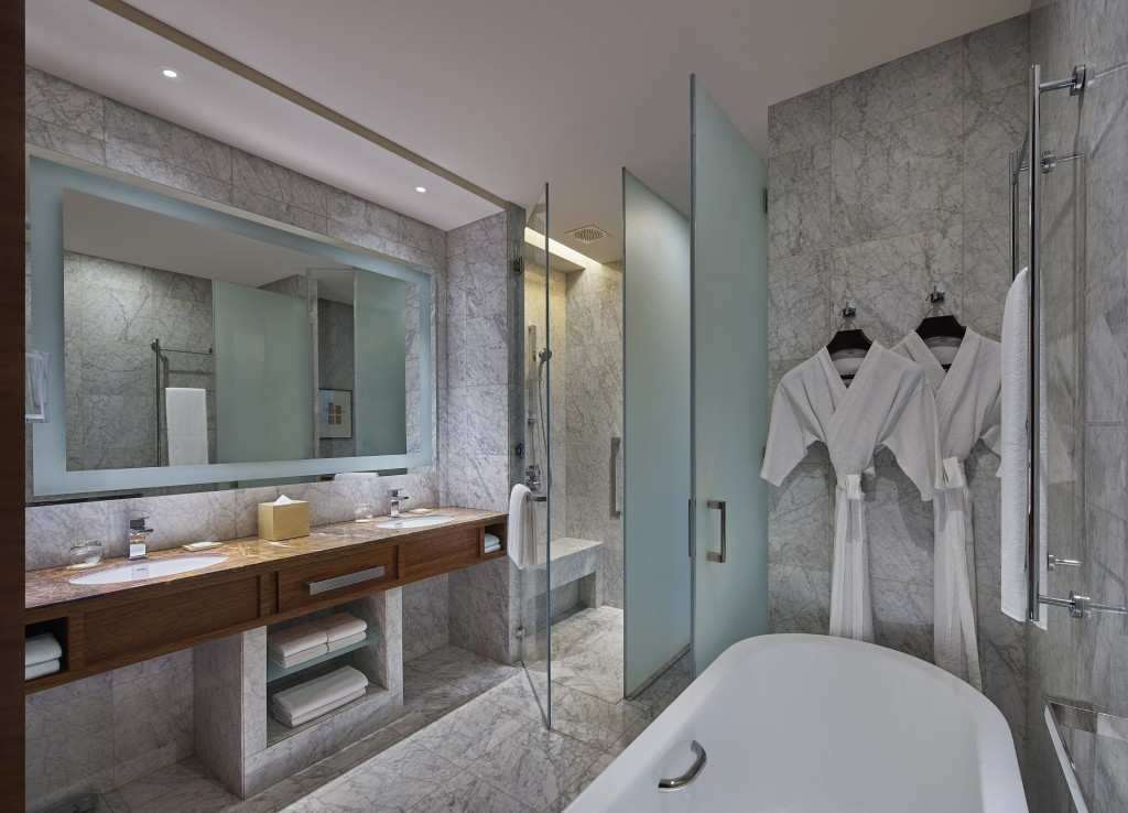 Grand-Hyatt-Manila-Grand-Suite-Bath High Res