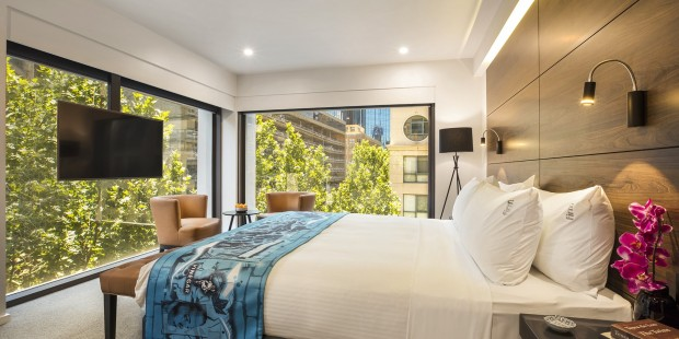New Look for Melbourne Holiday Inn