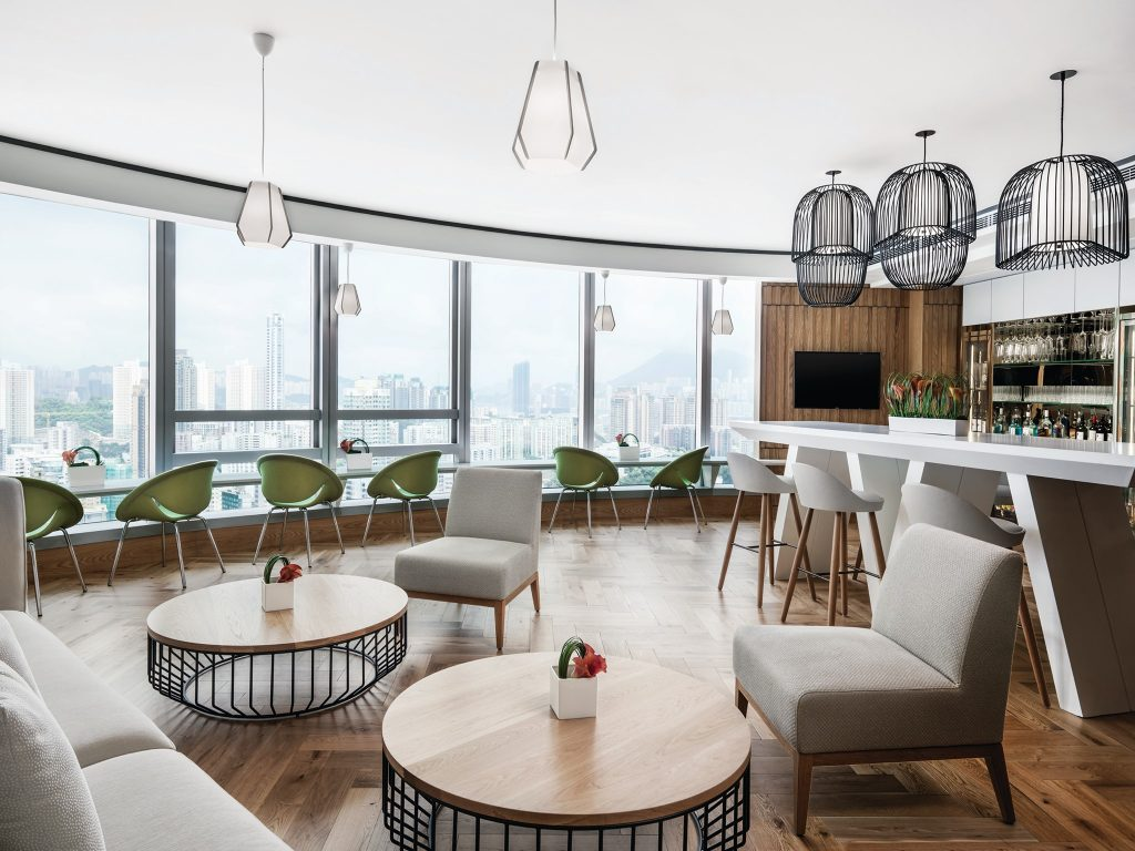 Located in one of the city's most vibrant neighbourhoods, Cordis Hong Kong offers business travellers an authentic yet contemporary take on this fascinating city.