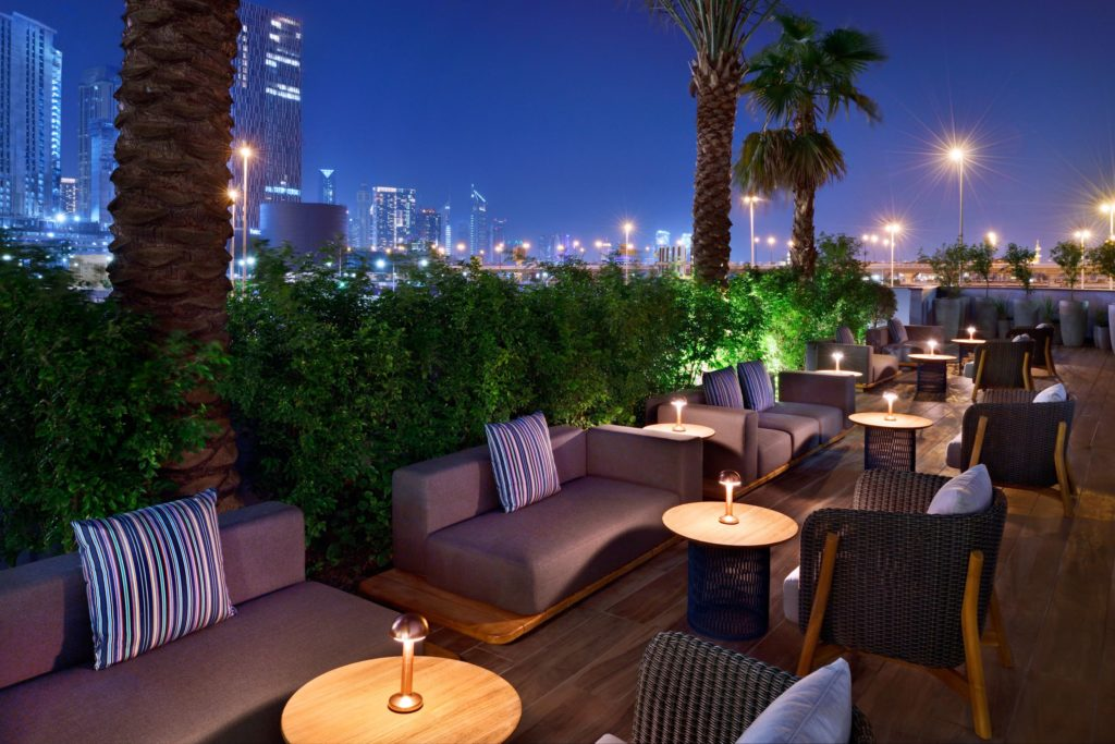 Hotel Indigo Dubai Downtown welcomes Off the Wall, a one-of-a-kind urban cocktail bar that pays homage to the bright lights and the bustling streets of the Satwa district.